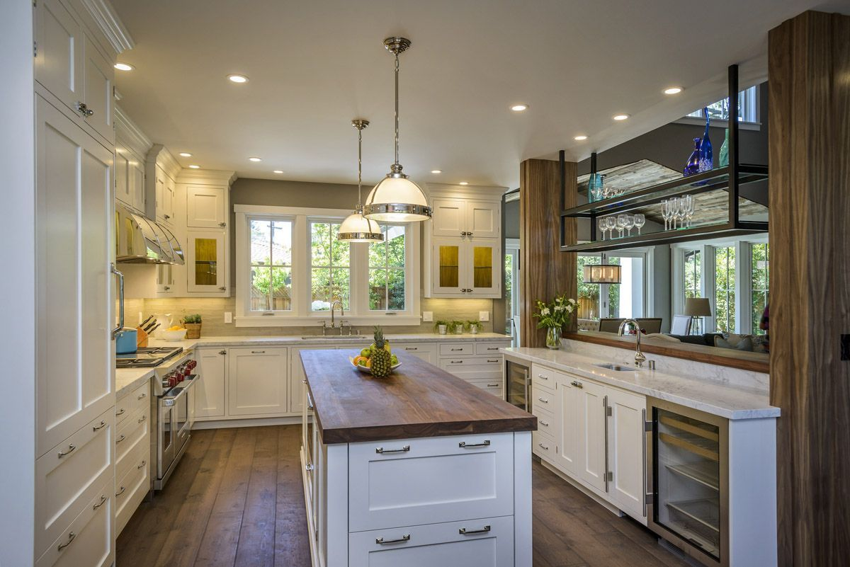 A kitchen in balance eye catching family friendly design for Kitchen design houzz