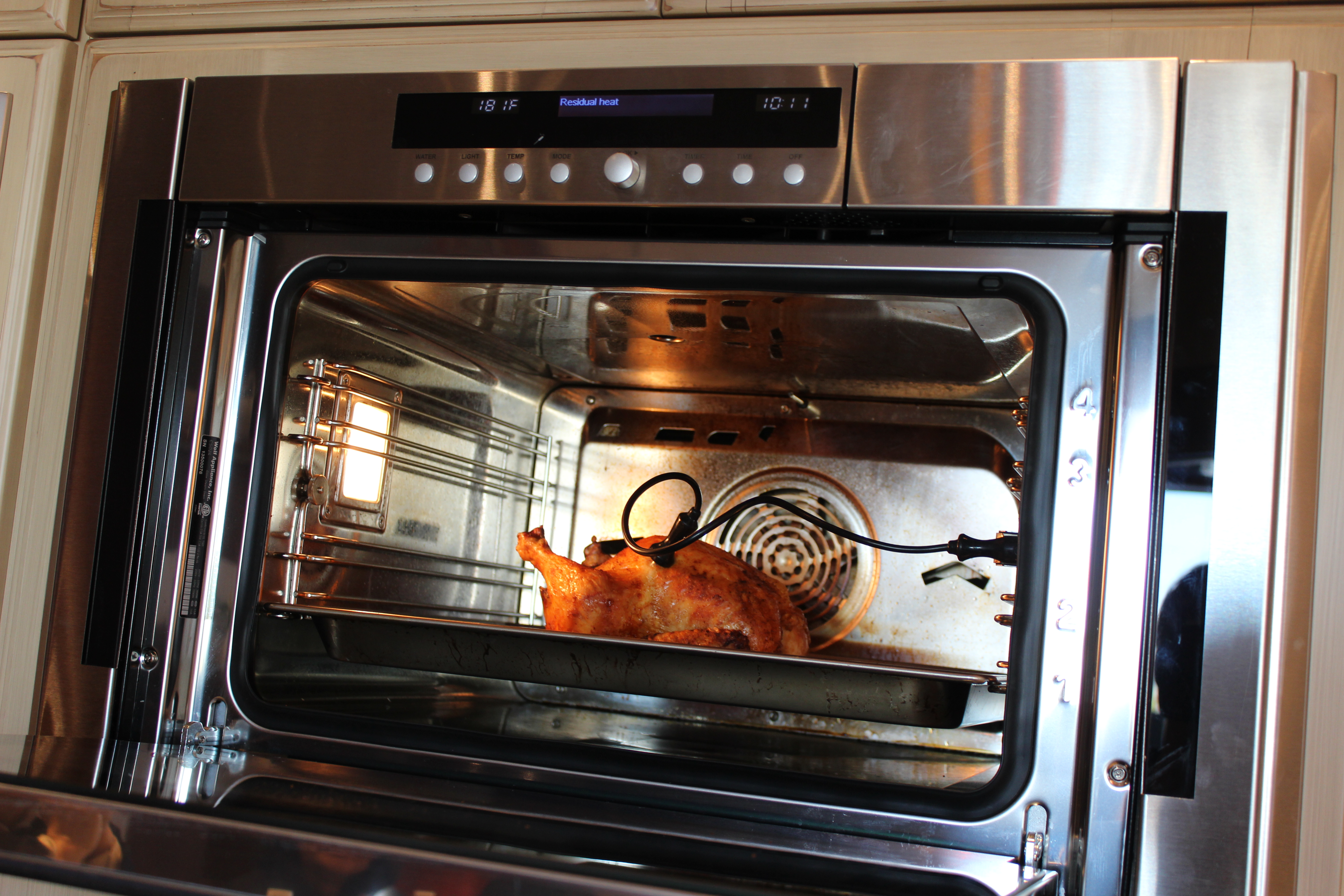 How to grill chicken in a convection microwave oven